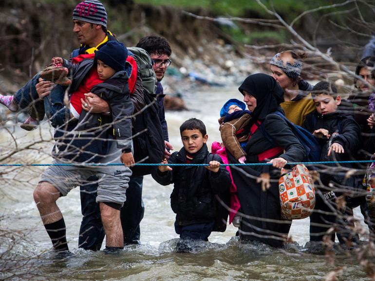 Risultati immagini per migranti papa francesco